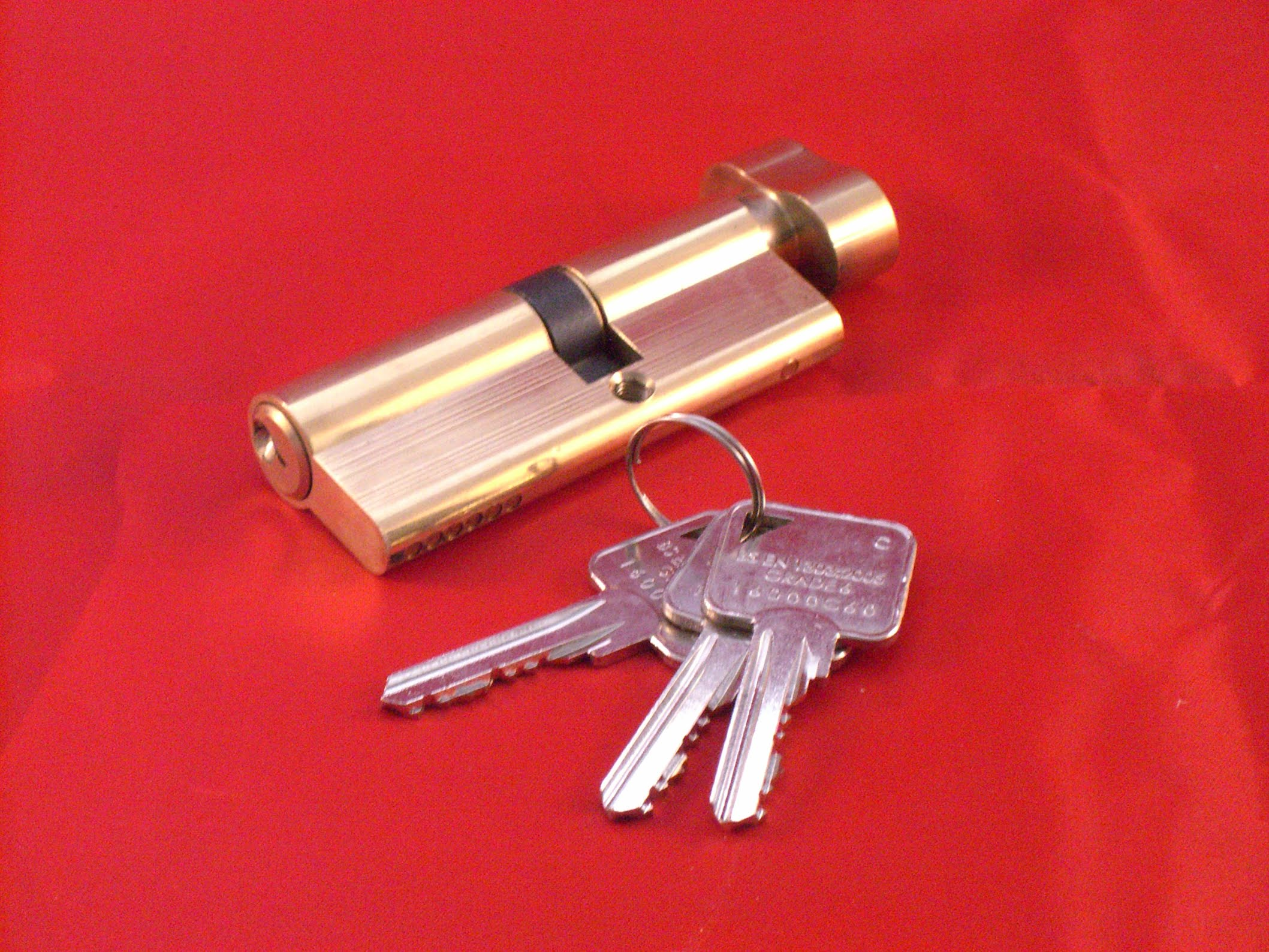 Landlord Door Lock Services Rfm Double Glazing Repairs